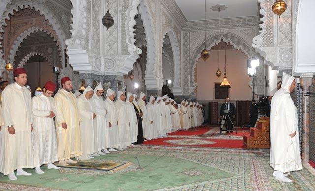 SM le Roi préside une veillée religieuse en commémoration de Laylat Al-Qadr à la mosquée Mohammed V à Tanger