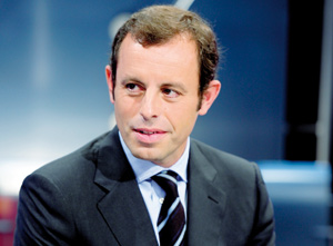 Sandro Rosell remplace Laporta à la présidence du club