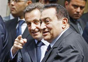 Sarkozy reçoit Moubarak pour évoquer les blocages de l'UPM