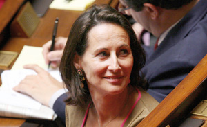 Les excuses de Ségolène Royal embarrassent Nicolas Sarkozy et le PS