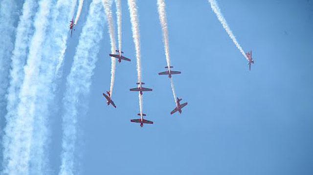Fête de la jeunesse: Les Forces Royales Air organisent des shows aériens mercredi aux larges des plages de M'diq et de Cabo Negro