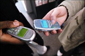 Petits Spams par SMS, grosse industrie publicitaire