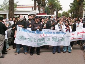 Une série de grèves paralyse de nouveau les CHU