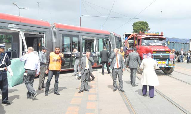 Trois blessés dans un accident entre un poids lourd et une rame de tramway de Casablanca