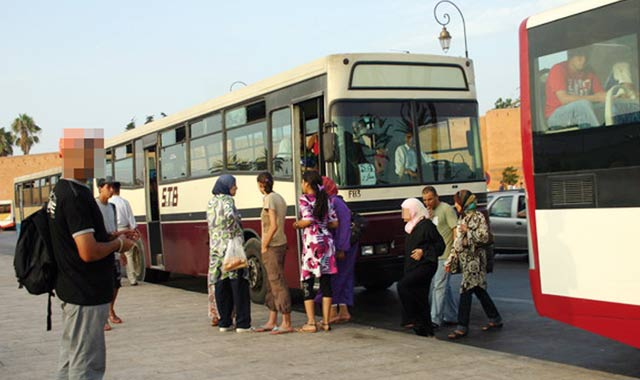 Transports en commun : les Marocaines victimes d incivilités en tout genre