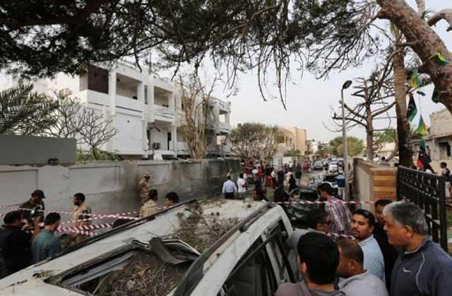 Attentat contre l'ambassade de France à Tripoli: deux gardes français blessés