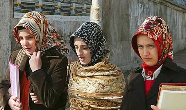 Turquie : Le port du voile désormais permis dans les établissements publics