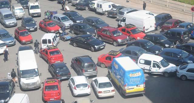 Déplacement : La voiture reste le moyen de locomotion préféré des Marocains