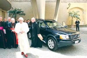 Auto infos : Volvo XC90 : un exemplaire pour le Pape Benoît XVI