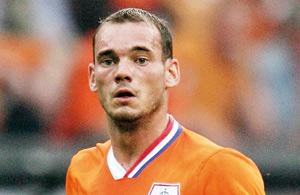 Ballon d'Or FIFA : la presse italienne mise sur le Néerlandais Wesley Sneijder