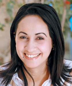 Yasmina Redouane : Sa ville, son hôtel, son pays