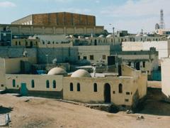 Laâyoune : Visite dans les quartiers espagnols