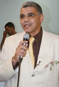 Abderrazzak Benchaâbane : «Le parfumeur travaille avec son nez et sa montre»