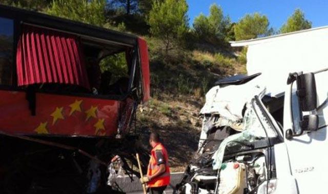 Tétouan : 1 mort et 6 blessés dans le collision d'un camion et d'un autocar
