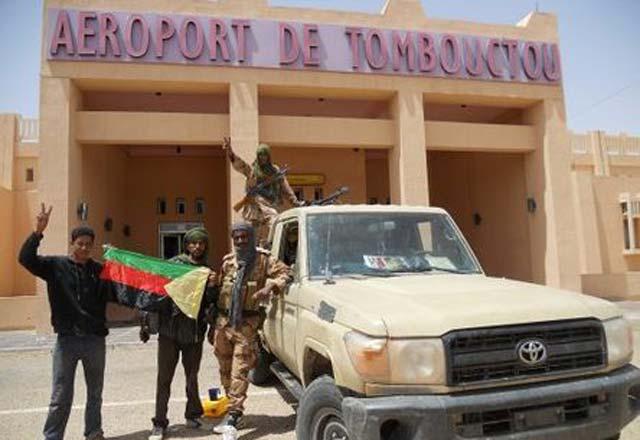 l'aéroport de Tombouctou désormais sous contrôle des forces françaises et maliennes