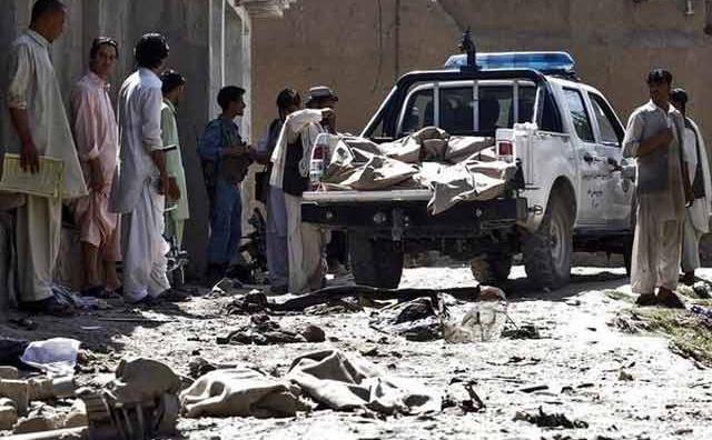 Attentat suicide en Afghanistan: au moins dix morts