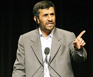 Ahmadinejad presse Obama et Medvedev de soutenir l'accord