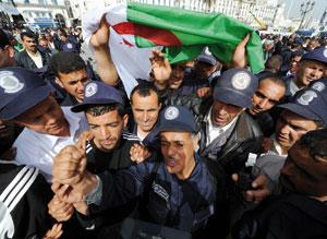 Algérie : 2.500 gardes communaux de nouveau dans la rue