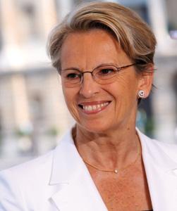 Michelle Alliot-Marie, nouveau visage de la France dans le monde
