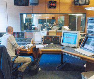 High-tech : La France adopte la radio numérique