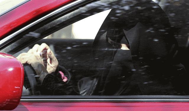 Des Saoudiennes arrêtées pour avoir pris le volant