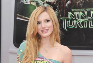 Bella Thorne : Lèvres roses et beach waves pour l'égérie Disney