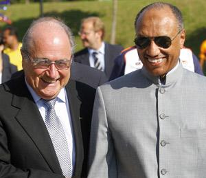 Le Qatariote Bin Hammam estime qu'il a les mêmes chances que Blatter