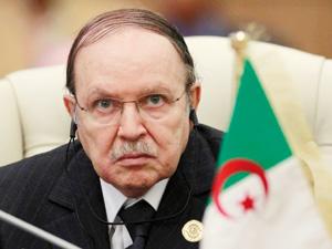Algérie : Vers une Constitution révisée pour répondre à la grogne