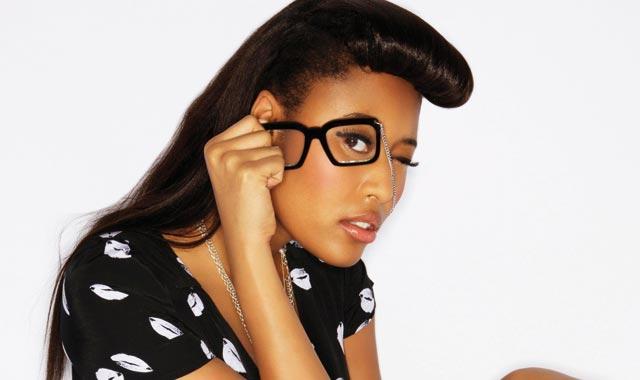 Interview de VV Brown : « jeunes filles, n imitez pas ces popstars à moitié nues ! »