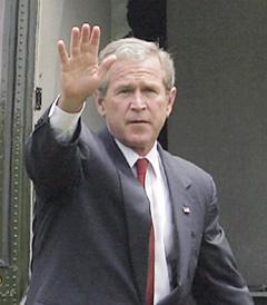 Irak : Bush entame sa marche arrière sur le dossier irakien