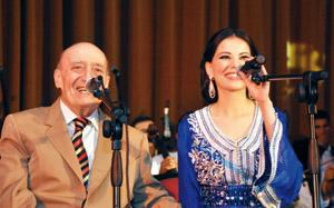 Ferdaous chante aux côtés de Wadii El Safi