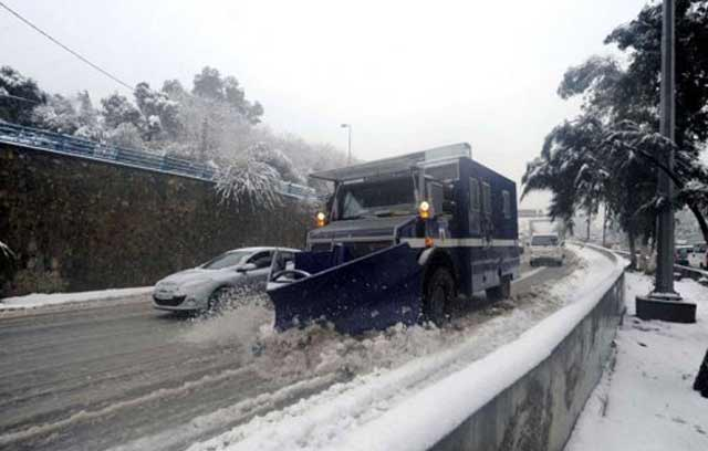 Ouverture de tous les tronçons routiers de la province de Chefchaouen affectés par les chutes de neige