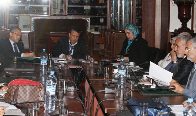 Le débat sur le projet de loi organique relatif aux commissions d enquête reprend au Parlement