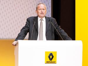 Constructeurs : Renault vise un nouveau record de ventes malgré ses déboires en Europe
