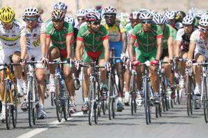 Des cyclistes sur la ligne de départ pour la 1ère fois