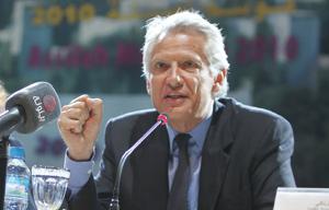 Dominique de Villepin : «On ne peut pas agir seul pour trouver les moyens de bâtir la paix»