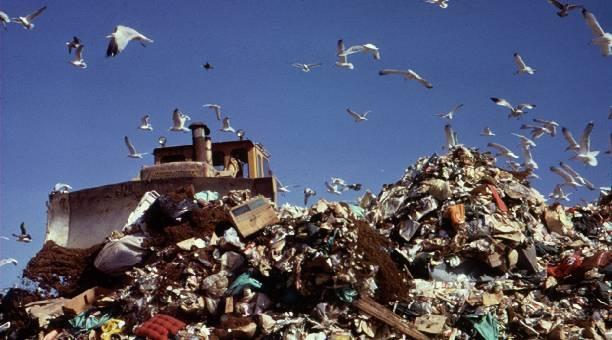 Adoption en Commission d'un projet de loi relatif à la gestion des déchets et à leur élimination