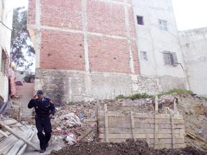 Evacuation de quatre maisons menaçant de s'effondrer