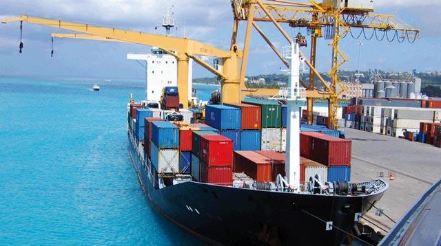 Port de Casablanca : les conteneurs tombés en mer ont été repêchés