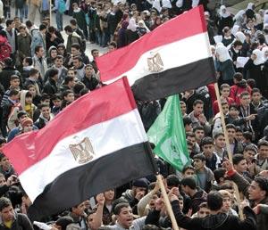 Après le départ de Moubarak : Les égyptiens confrontés aux défis de la construction de la démocratie