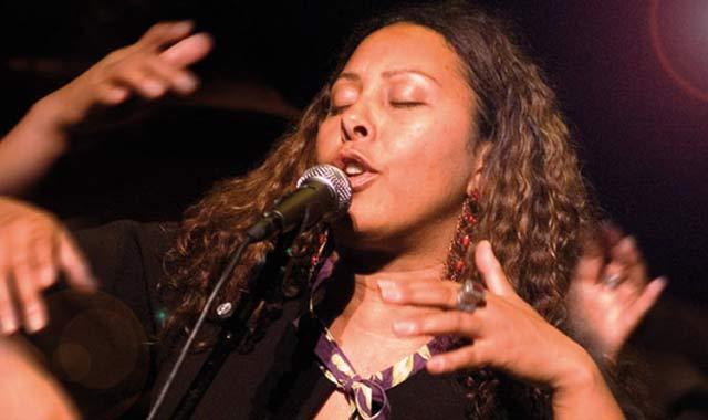Entretien avec Elisabeth Kontomanou, chanteuse de Jazz