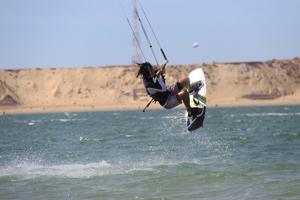 Quand le kitesurf fait parler le vent à Dakhla
