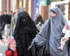 La burqa divise les Français
