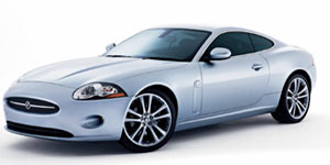 Jaguar XK : un capot qui protège les piétons
