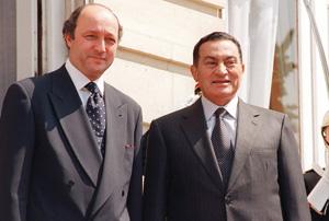 France : Laurent Fabius appelle au départ de Moubarak