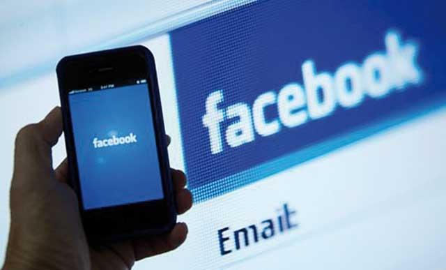 Facebook accusé d imposer ses propres adresses e-mail