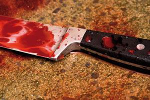 Une jeune femme névrosée tue un boucher à l'arme blanche