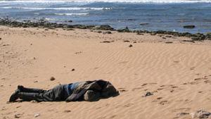 Une promenade sur la côte se termine dans le sang