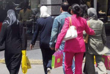 Deux jeunes filles arnaquaient les commerçants