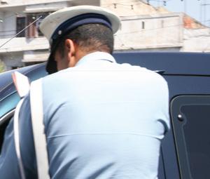 Deux policiers condamnés à la prison pour corruption